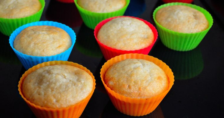 How to Make Healthy Muffins From Scratch